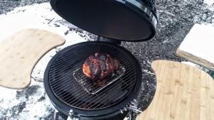 Grillissä valmistus ei eroa uunista, kunhan pidät epäsuoran tulen ja lämmöt oikein.